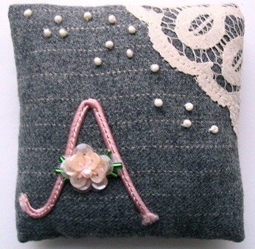 Flannel_pin_cushion