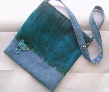 http://croque-choux.typepad.com/croquechoux/images/jeans_bag_1.jpg